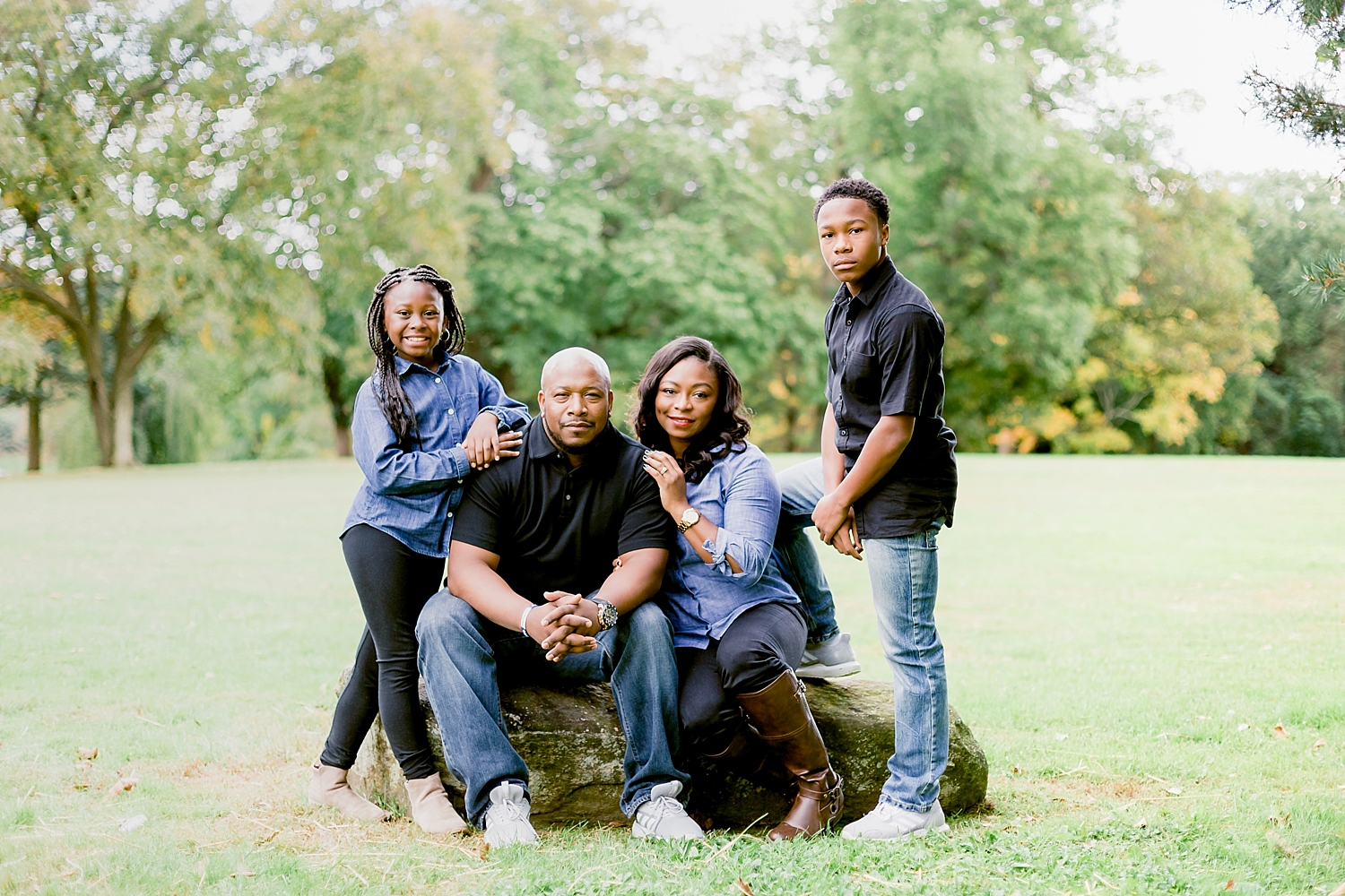 casual family photography session at Curtis Hall Arboretum by Ann Blake Photography