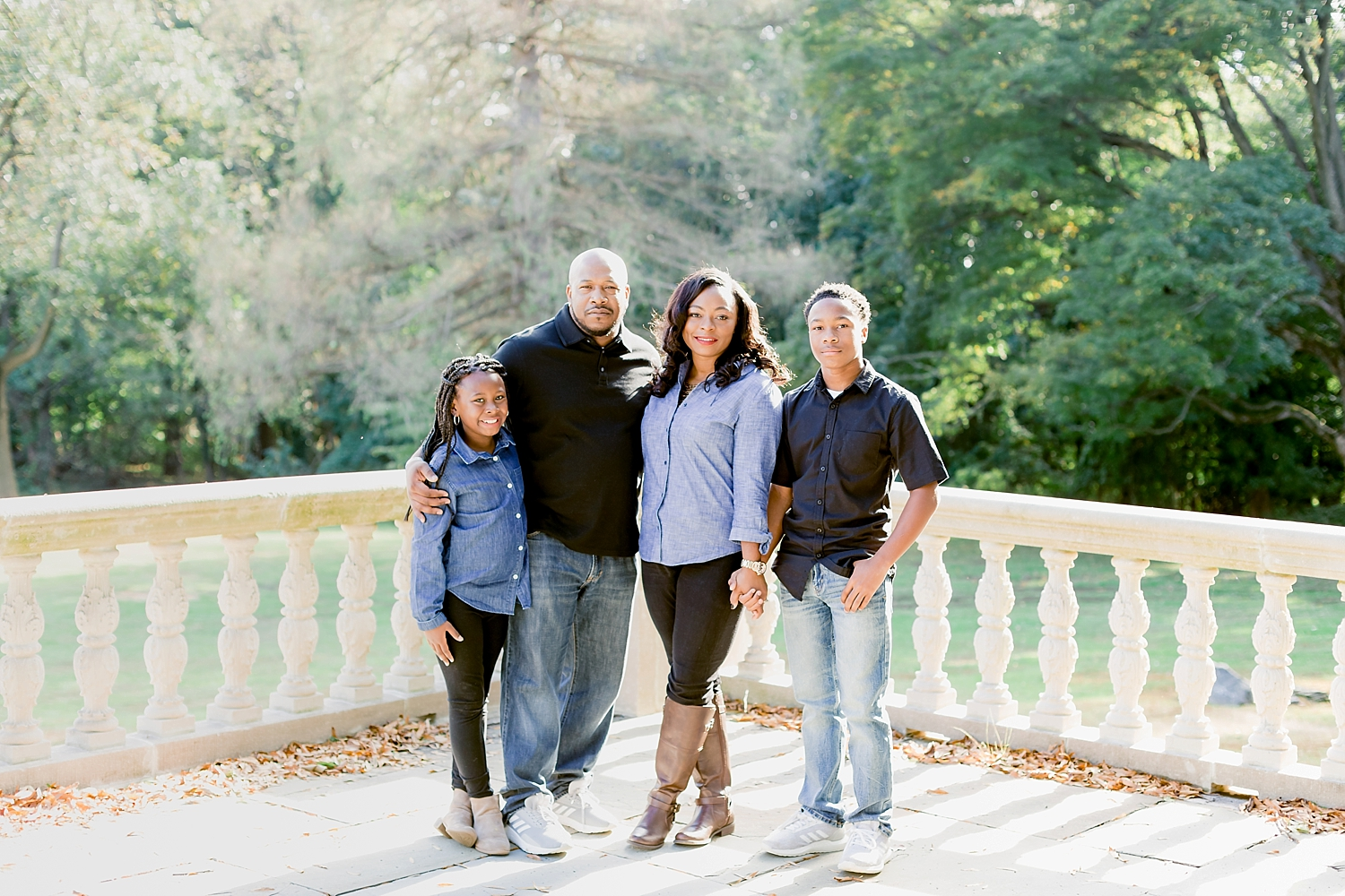 Curtis Hall Arboretum family photo session photographed by Ann Blake Photography