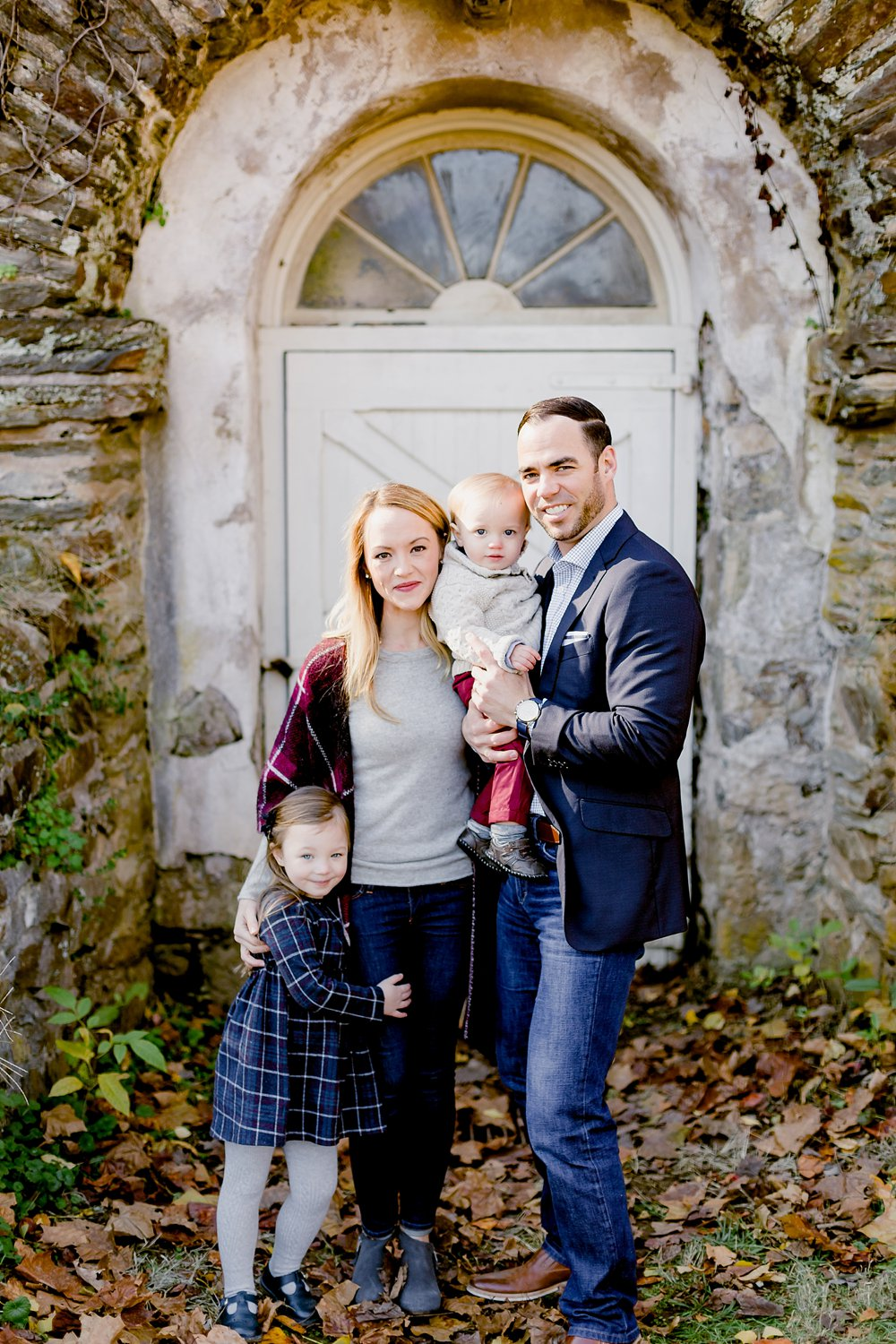 classic fall family portrait session photographed in valley forge national park